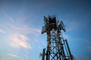 Pros & Cons of signal booster